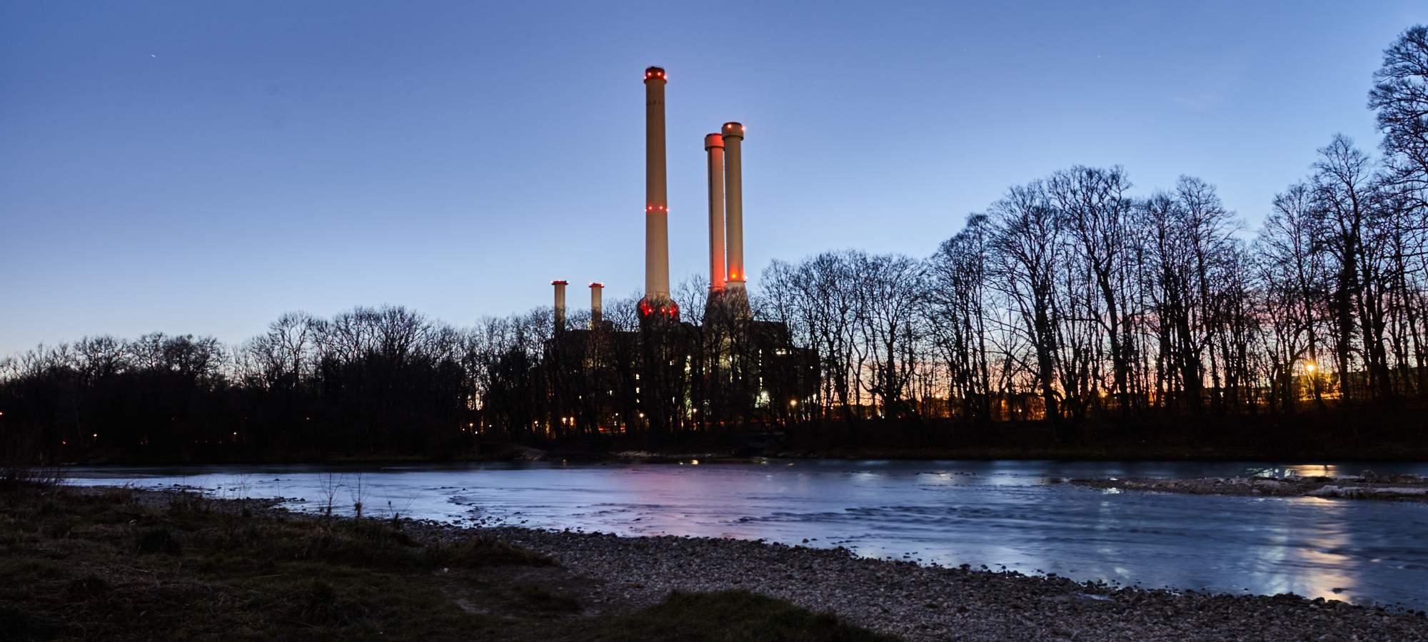 Heizkraftwerk-Fluss